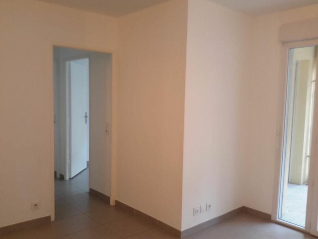 Appartement à louer 3 52m2 à Grasse vignette-3