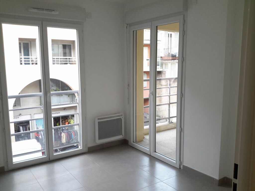 Appartement à louer 3 52m2 à Grasse vignette-5