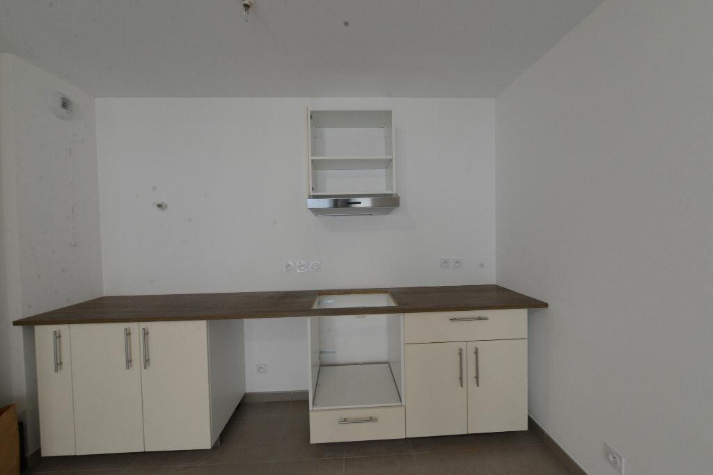 Appartement à louer 3 67m2 à Grasse vignette-2