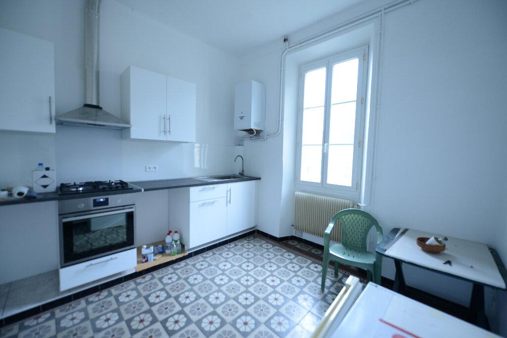 Appartement à louer 3 69.13m2 à Mouans-Sartoux vignette-2