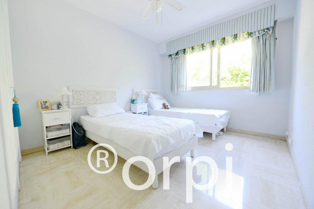 Appartement à vendre 4 103.51m2 à Grasse vignette-5