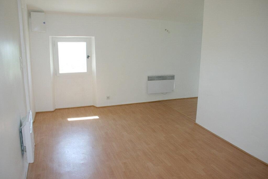 Appartement à louer 1 25m2 à Grasse vignette-1
