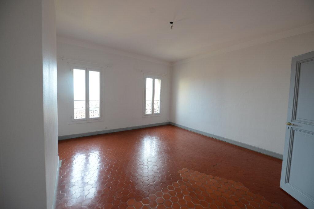 Appartement à louer 3 96.14m2 à Grasse vignette-3