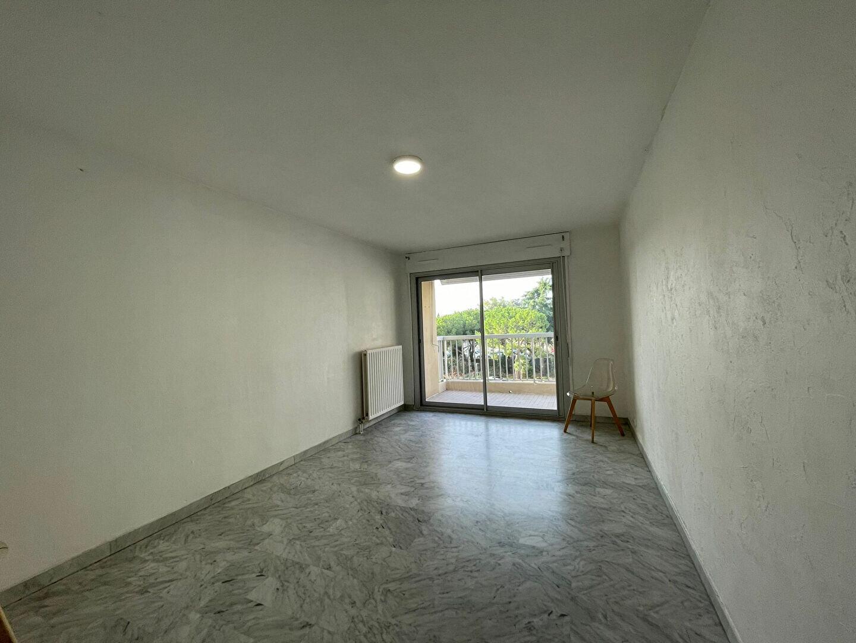 Appartement à louer 3 54.63m2 à Nice vignette-1
