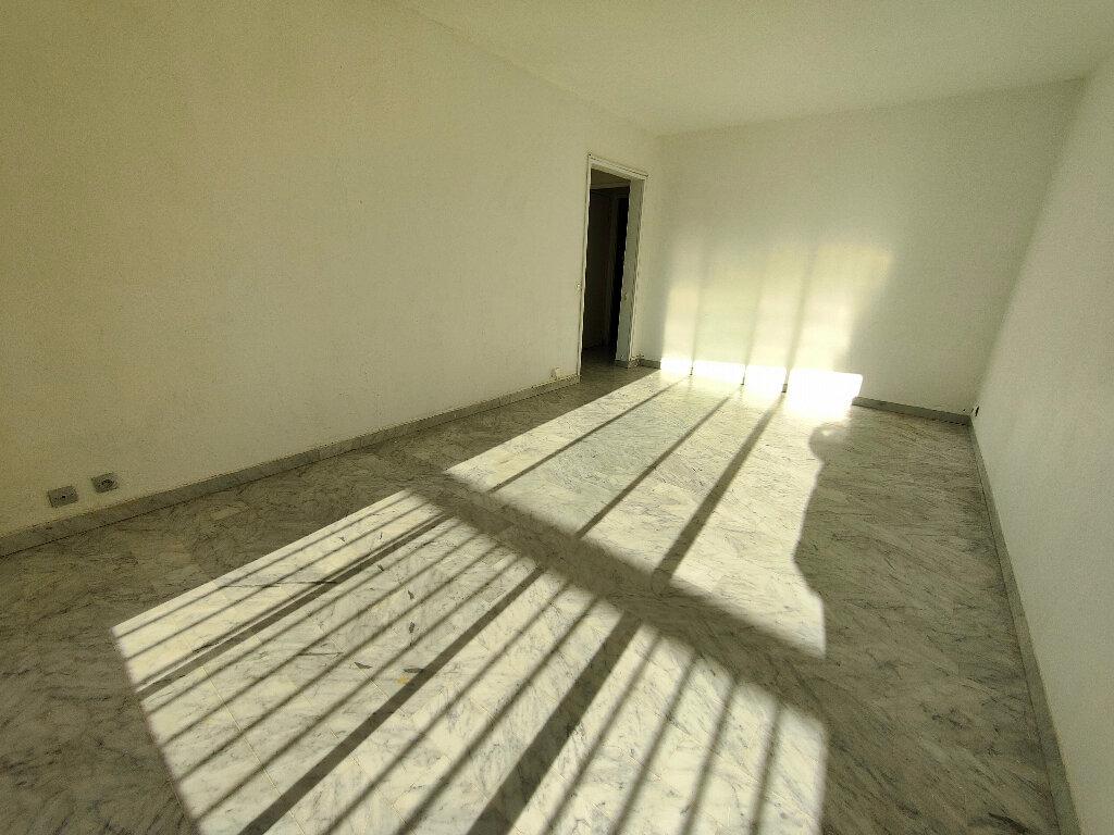Appartement à louer 3 54.63m2 à Nice vignette-2