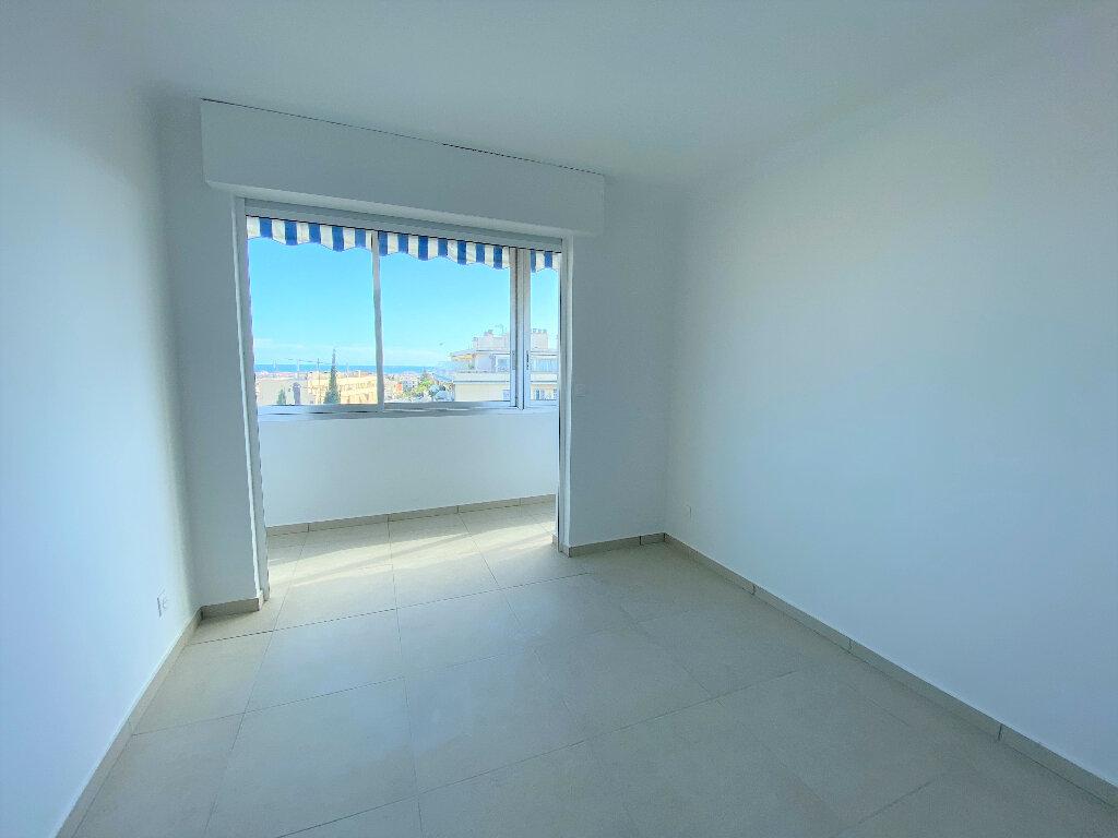 Appartement à louer 3 86m2 à Nice vignette-4