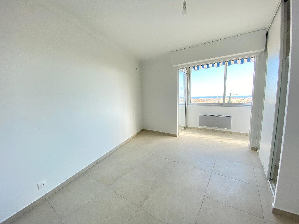 Appartement à louer 3 86m2 à Nice vignette-5
