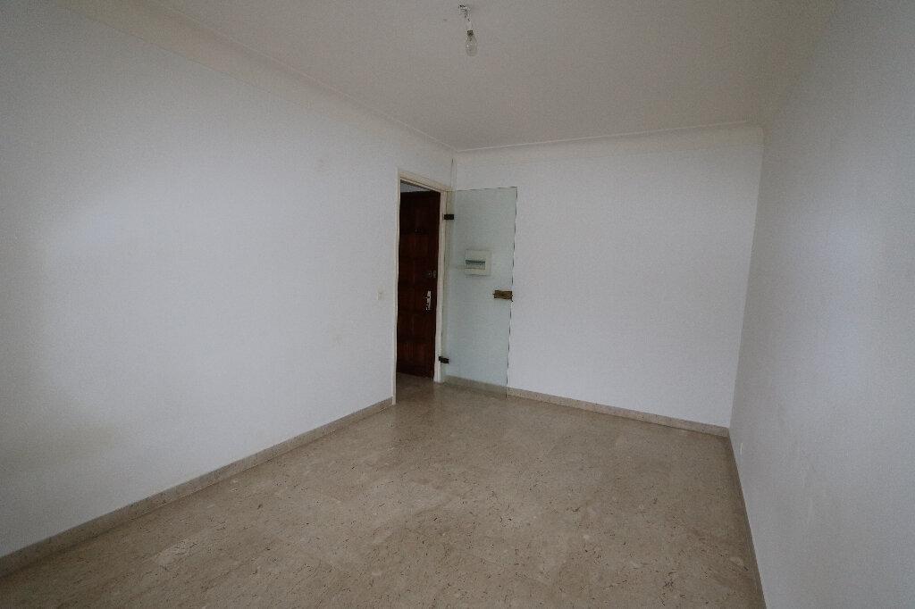 Appartement à louer 1 26.02m2 à Nice vignette-4