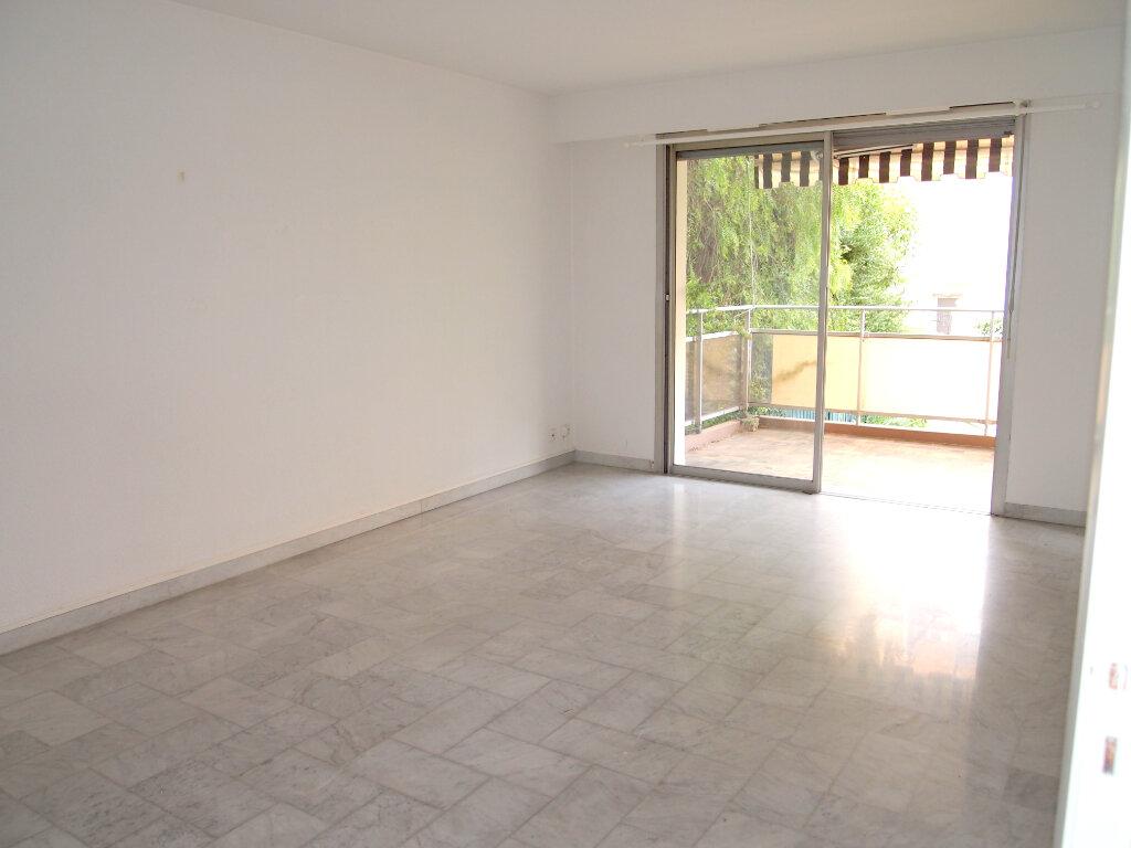 Appartement à louer 2 54m2 à Nice vignette-1