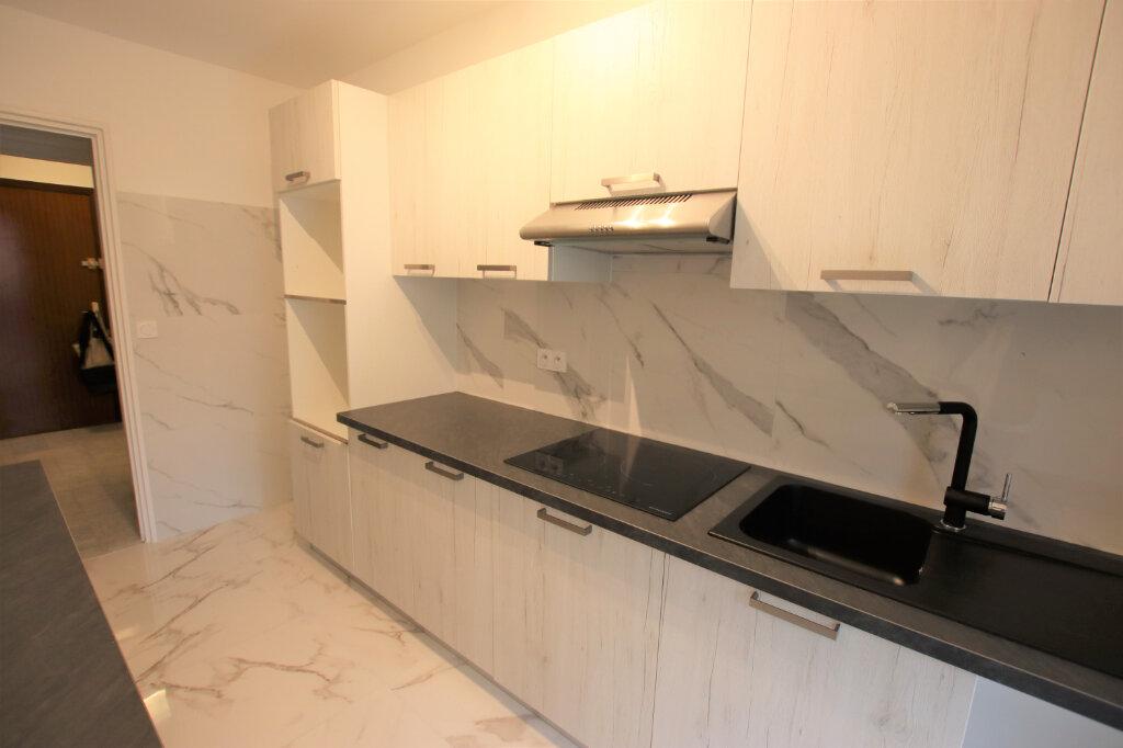 Appartement à louer 2 54m2 à Nice vignette-3
