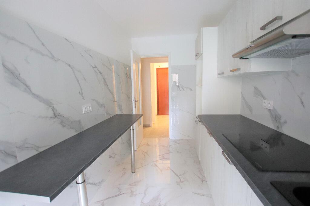 Appartement à louer 2 54m2 à Nice vignette-4