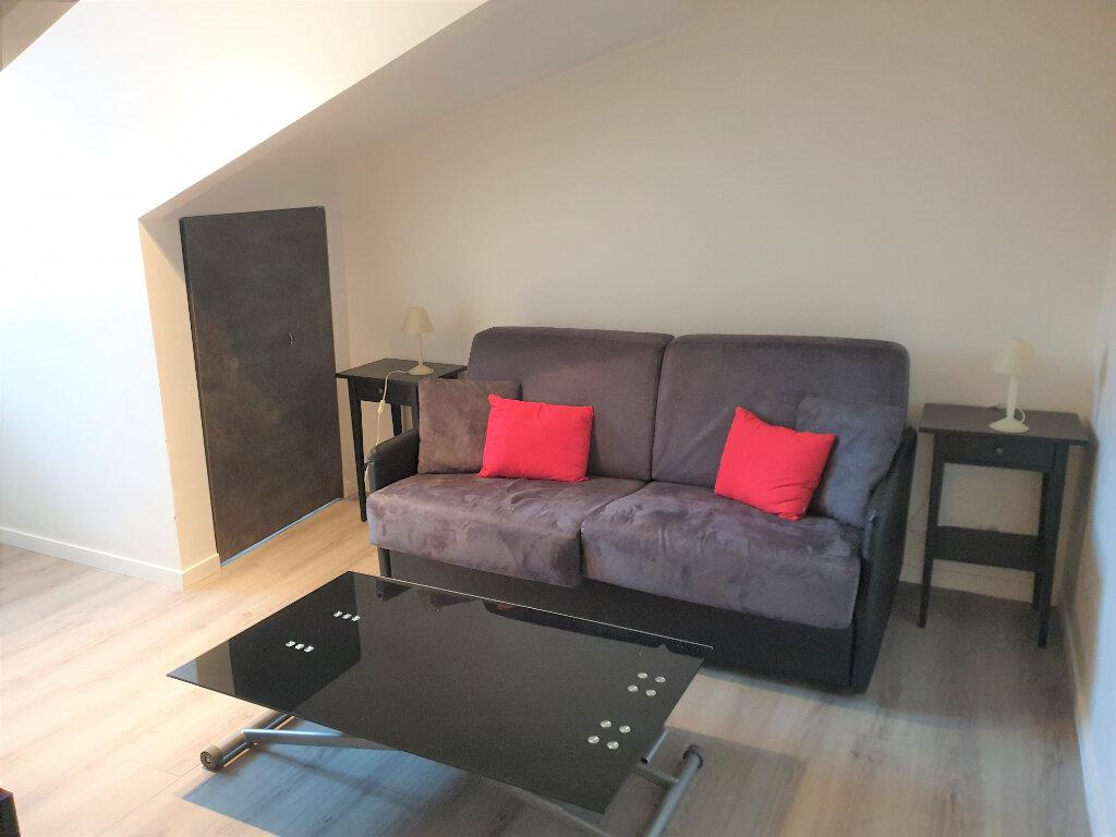 Appartement à louer 1 22.06m2 à Nice vignette-1