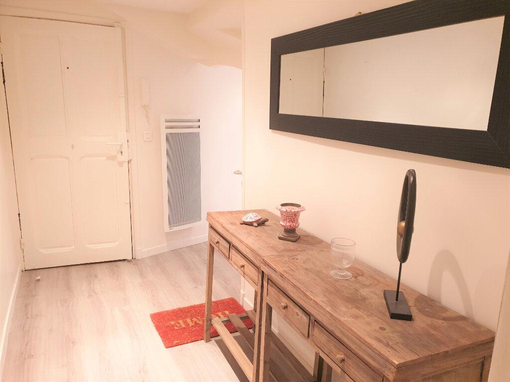 Appartement à louer 1 22.06m2 à Nice vignette-2