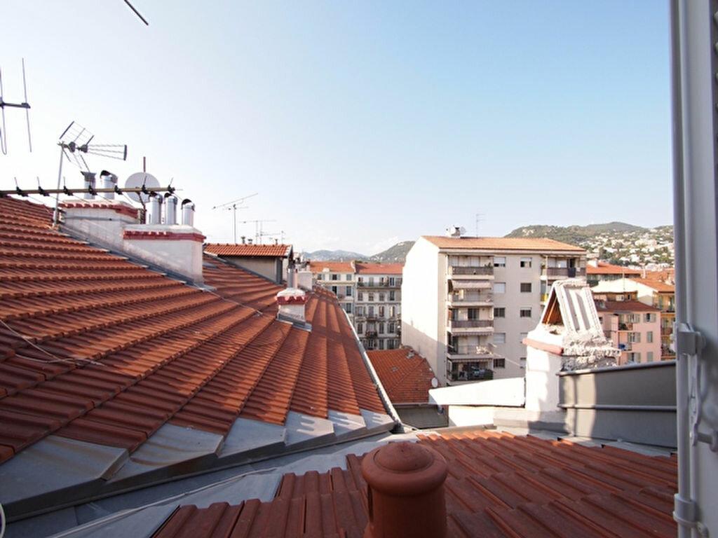 Appartement à louer 1 22.06m2 à Nice vignette-9