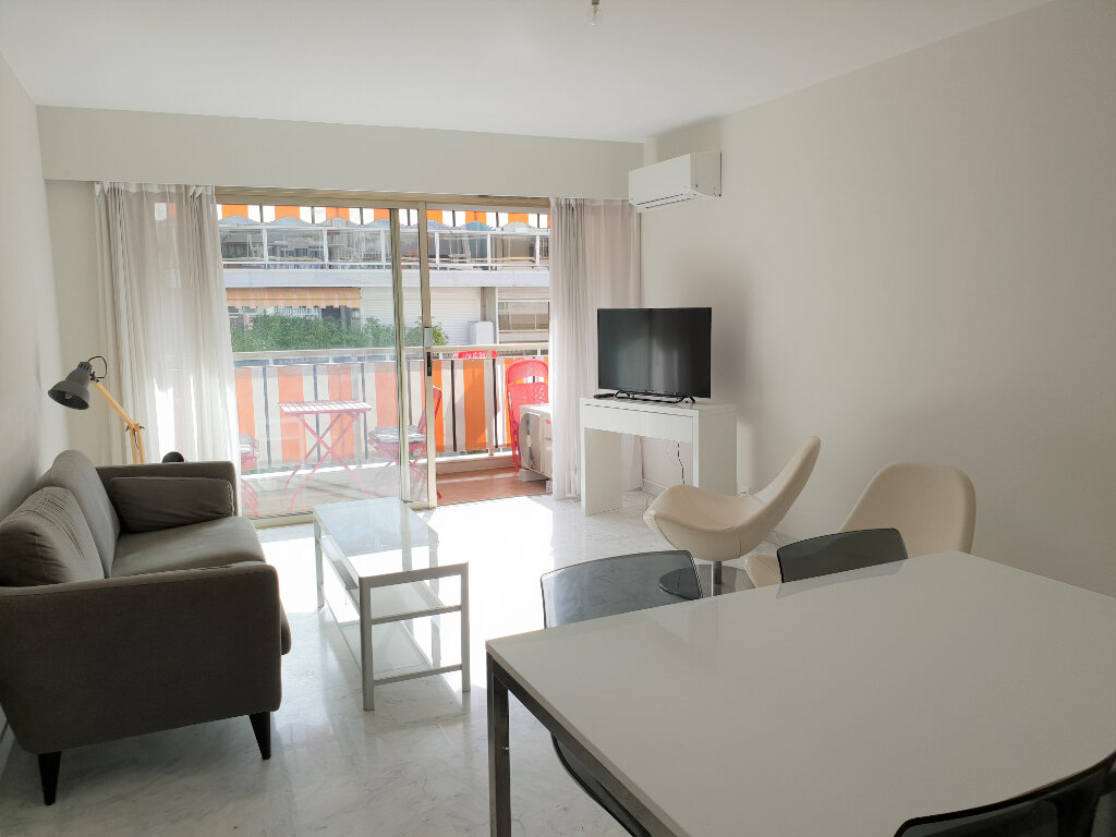 Appartement à louer 3 63m2 à Nice vignette-1