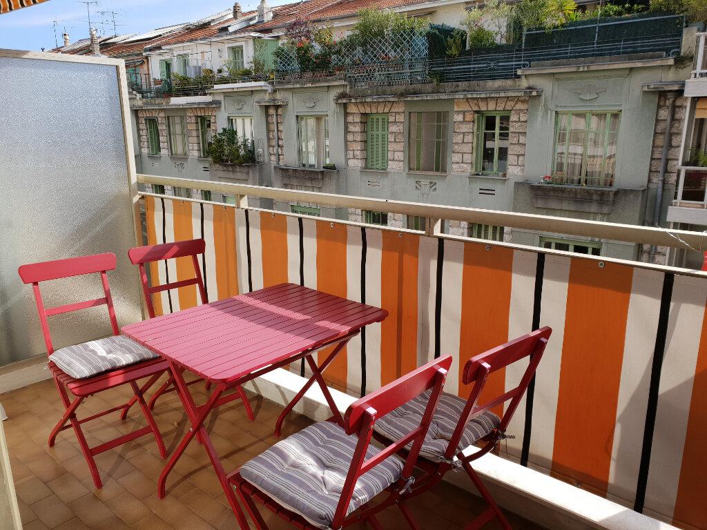 Appartement à louer 3 63m2 à Nice vignette-4