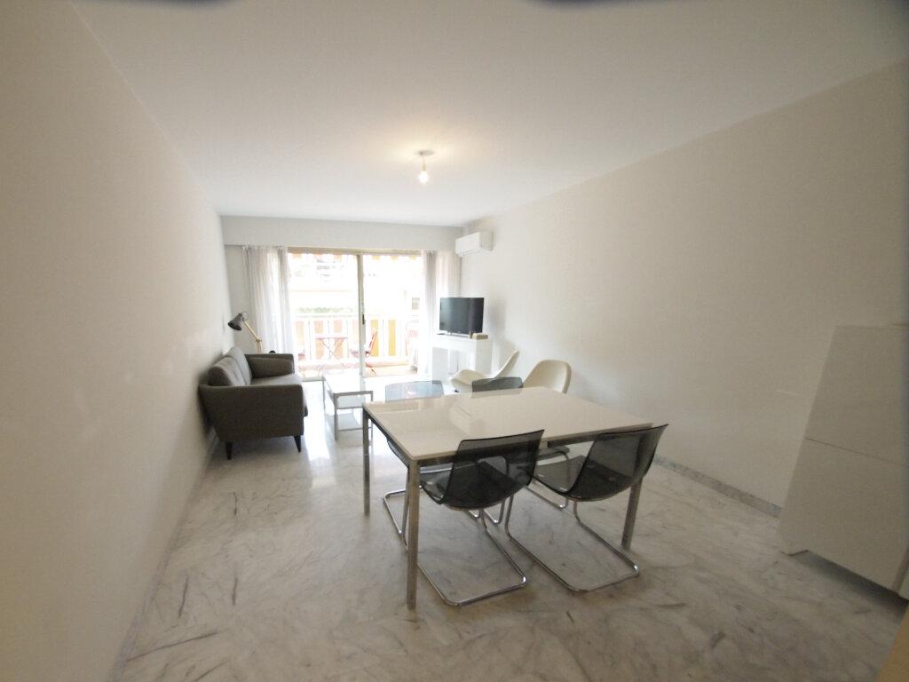 Appartement à louer 3 63m2 à Nice vignette-8