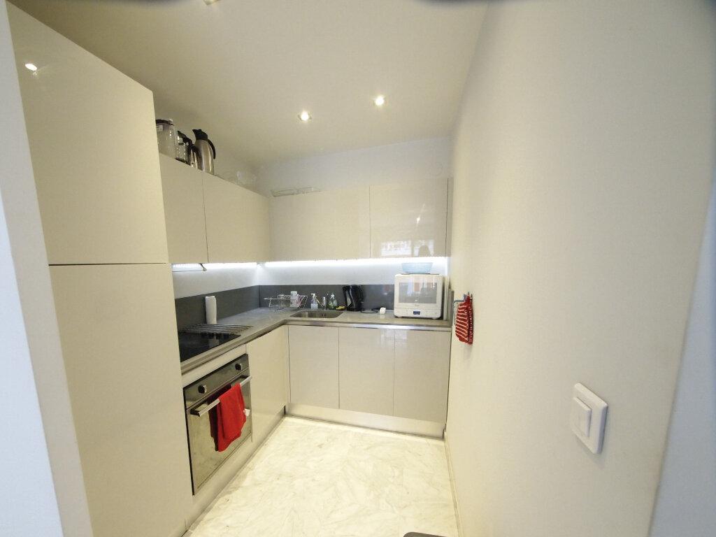 Appartement à louer 3 63m2 à Nice vignette-9