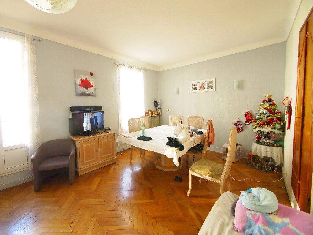 Appartement à vendre 3 70.7m2 à Nice vignette-1