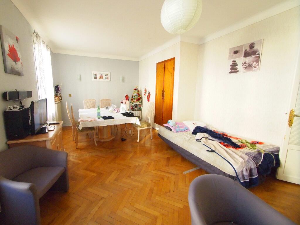 Appartement à vendre 3 70.7m2 à Nice vignette-2