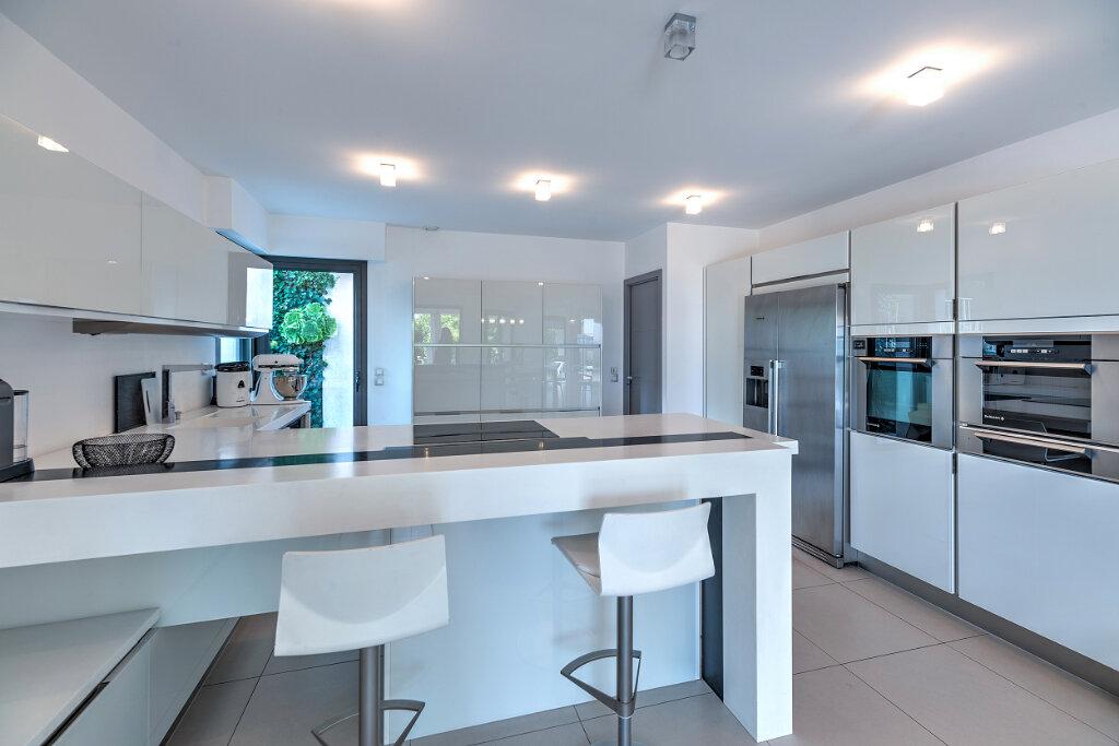 Maison à vendre 6 240m2 à Nice vignette-5