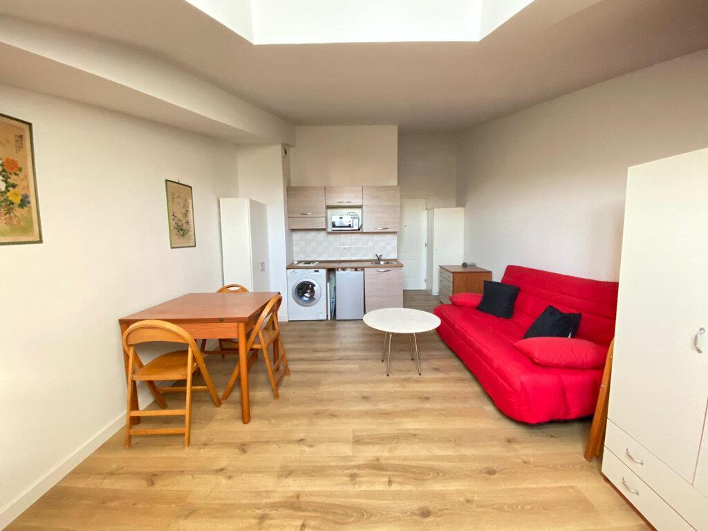 Appartement à louer 1 25.02m2 à Nice vignette-1