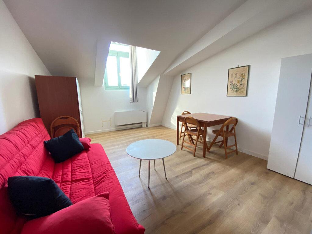 Appartement à louer 1 25.02m2 à Nice vignette-2