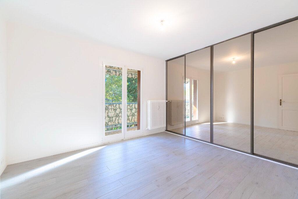 Appartement à louer 3 73m2 à Nice vignette-4