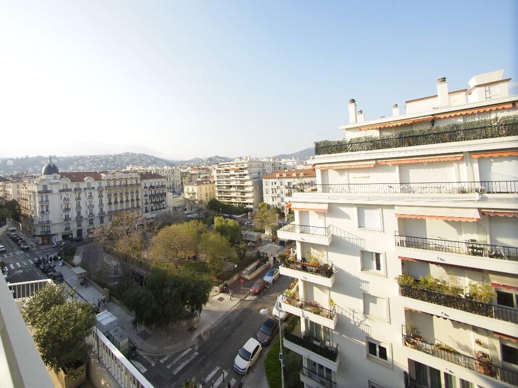 Appartement à louer 4 100m2 à Nice vignette-2