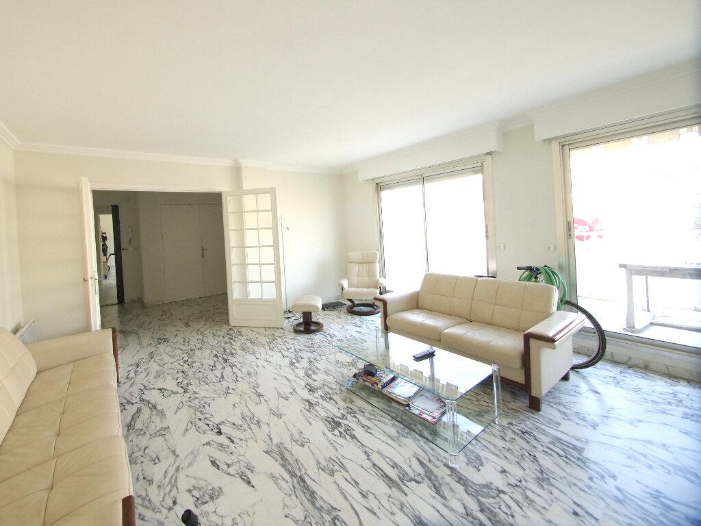 Appartement à louer 4 100m2 à Nice vignette-4
