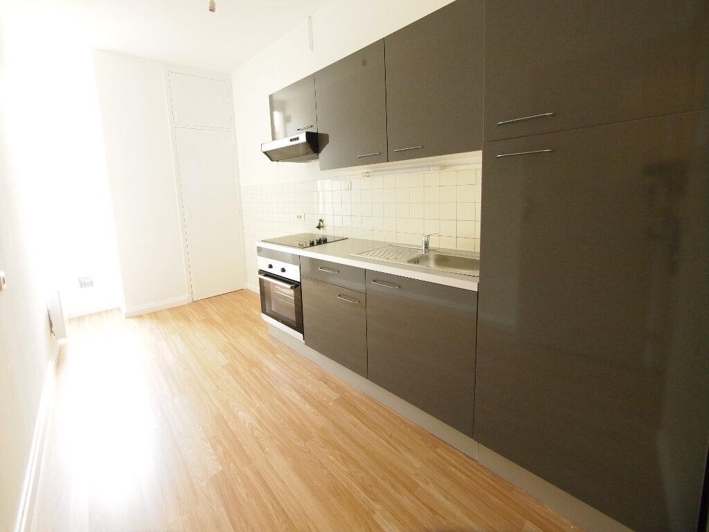 Appartement à louer 2 50m2 à Nice vignette-1