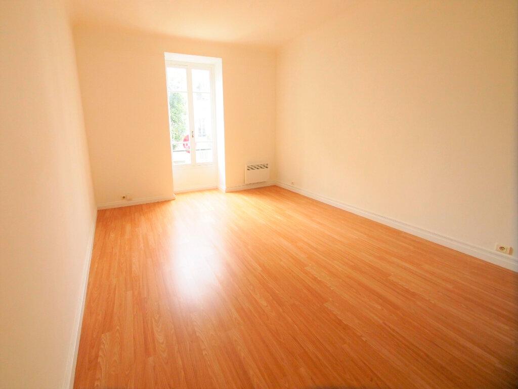 Appartement à louer 2 50m2 à Nice vignette-3