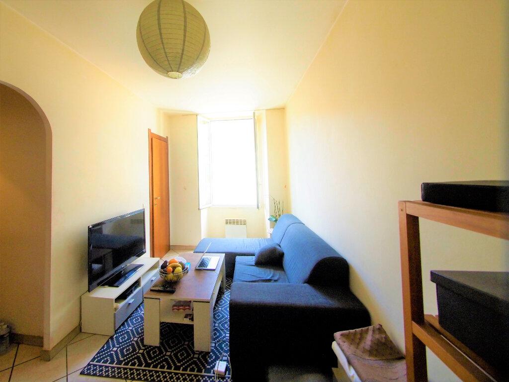 Appartement à louer 2 22.48m2 à Nice vignette-2