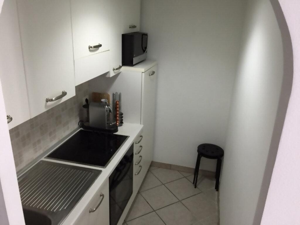 Appartement à louer 2 22.48m2 à Nice vignette-3