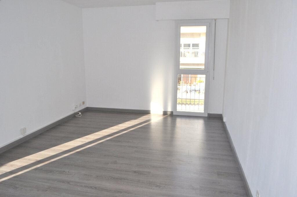Appartement à louer 3 67m2 à Nice vignette-4