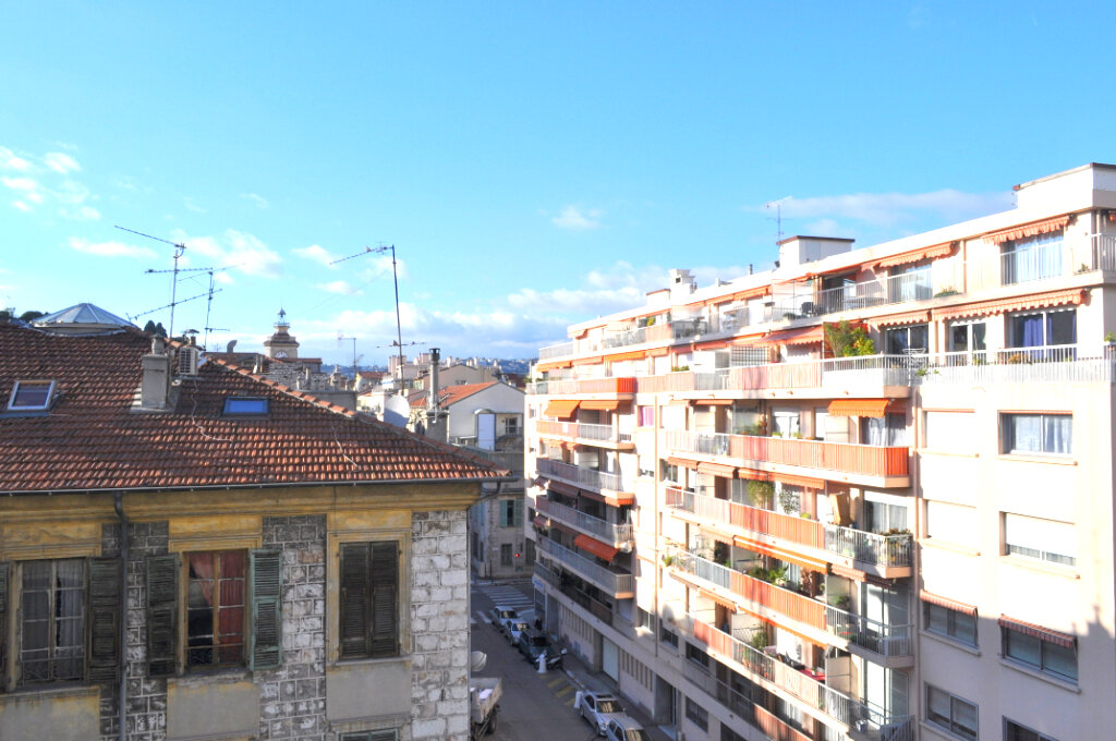 Appartement à louer 3 67m2 à Nice vignette-6