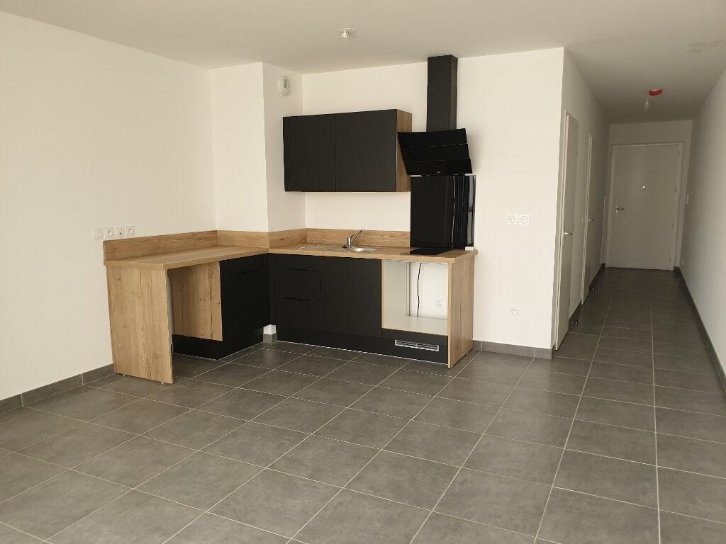 Appartement à louer 2 42.7m2 à Nice vignette-1