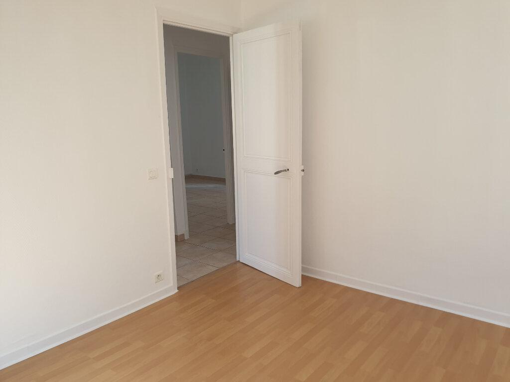 Appartement à louer 3 56.02m2 à Nice vignette-4