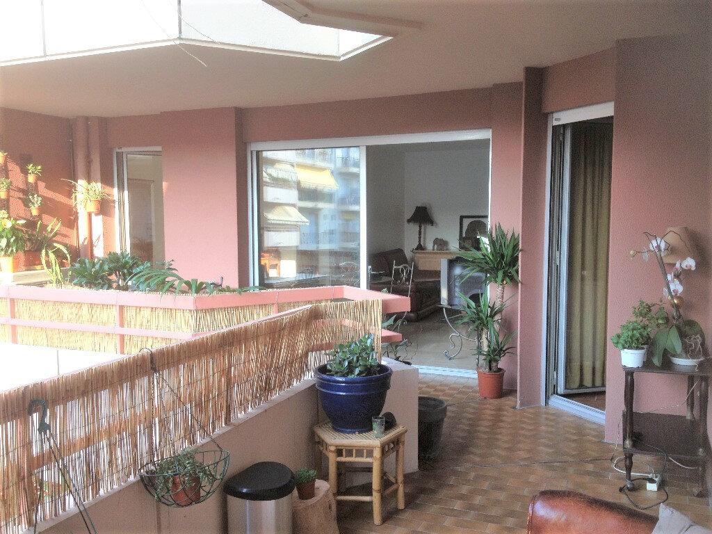 Appartement à louer 3 91.28m2 à Nice vignette-1