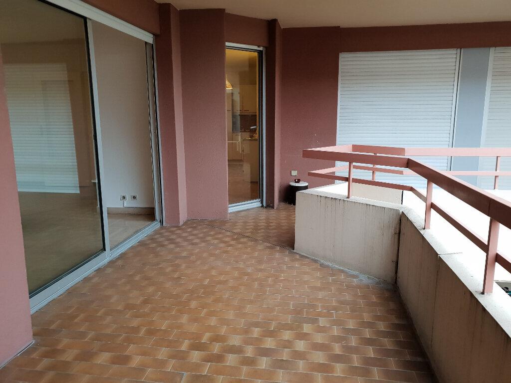 Appartement à louer 3 91.28m2 à Nice vignette-4