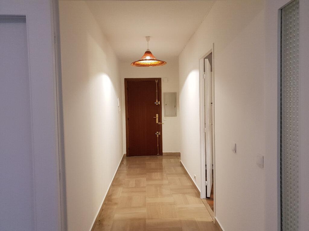 Appartement à louer 3 91.28m2 à Nice vignette-5