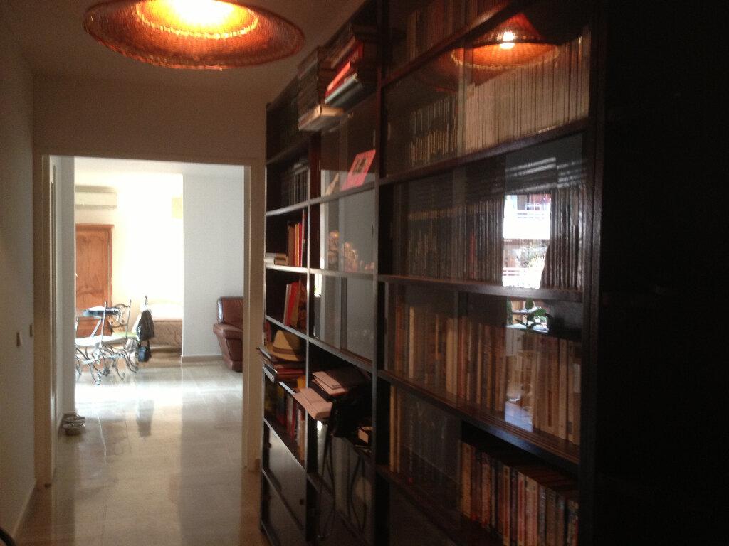 Appartement à louer 3 91.28m2 à Nice vignette-6