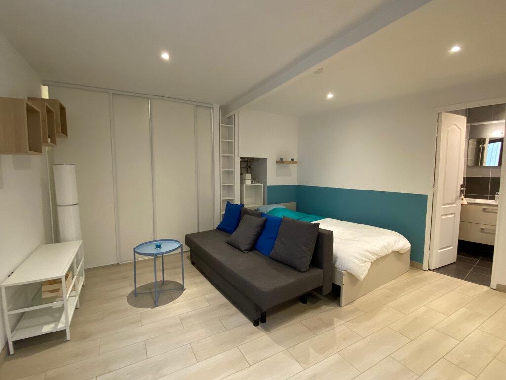 Appartement à louer 1 26.05m2 à Nice vignette-1