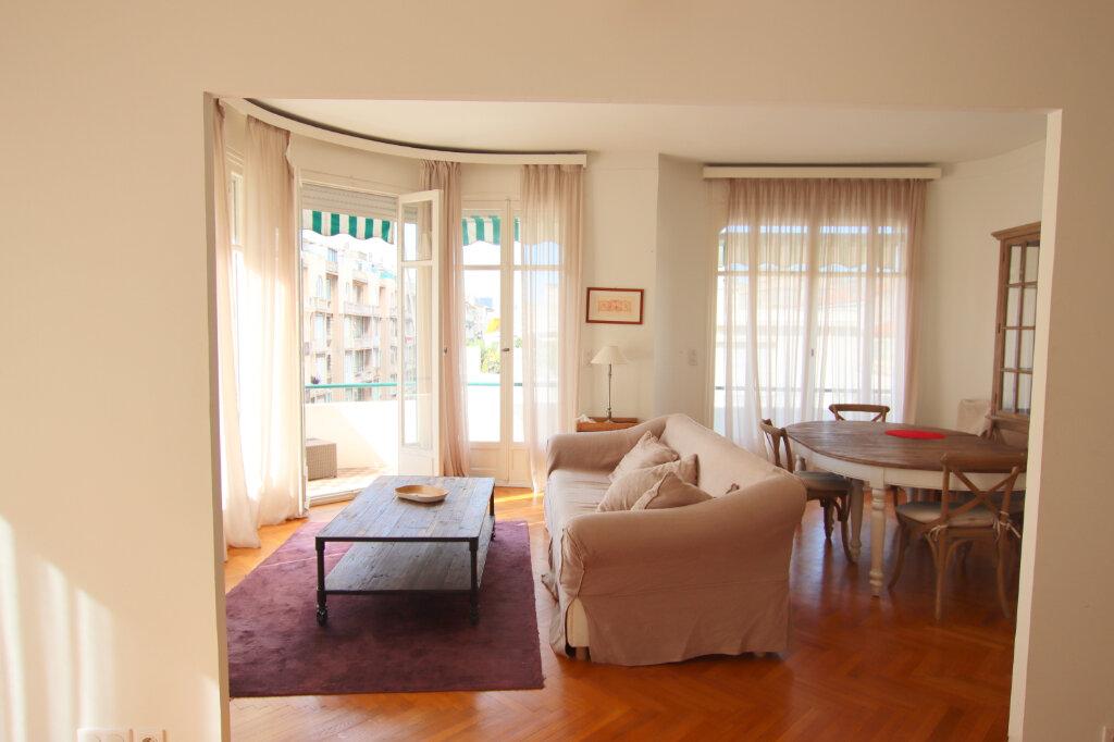 Appartement à louer 3 94.08m2 à Nice vignette-1
