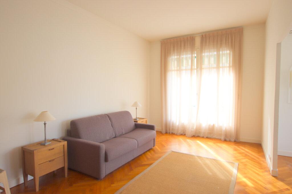 Appartement à louer 3 94.08m2 à Nice vignette-3