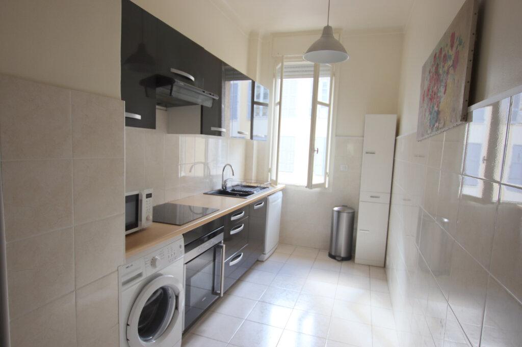 Appartement à louer 3 94.08m2 à Nice vignette-5