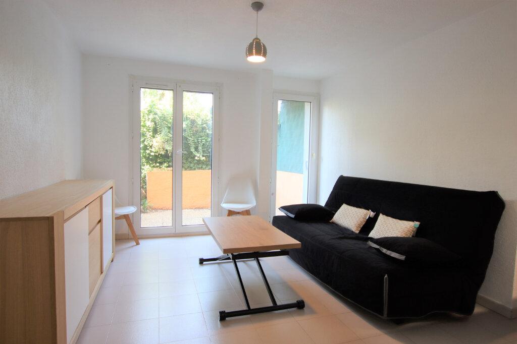 Appartement à louer 1 23.3m2 à Cagnes-sur-Mer vignette-1