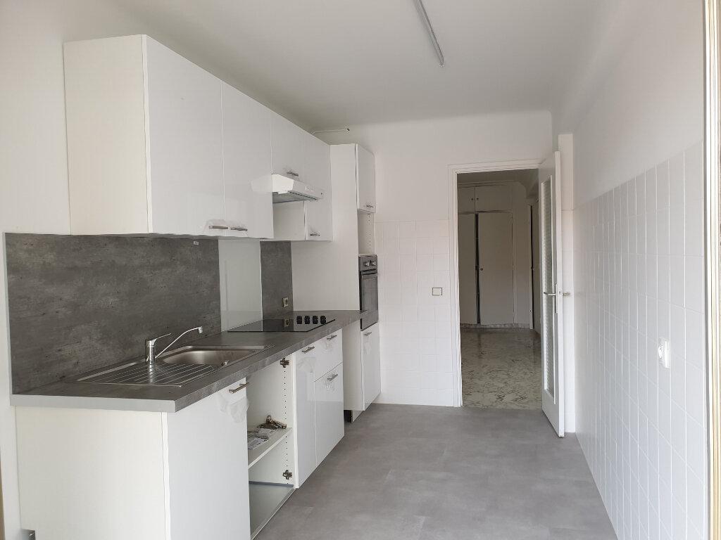 Appartement à louer 2 65.64m2 à Nice vignette-2