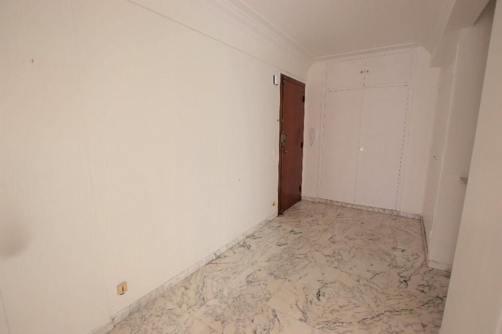 Appartement à louer 2 65.64m2 à Nice vignette-5
