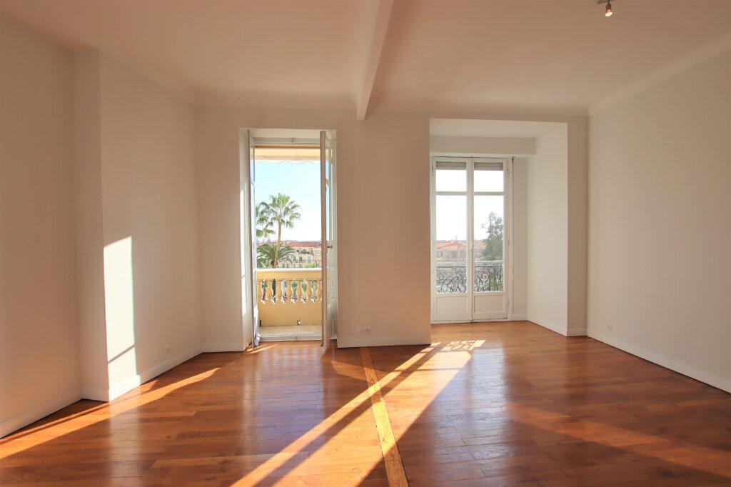 Appartement à louer 3 77.16m2 à Nice vignette-2